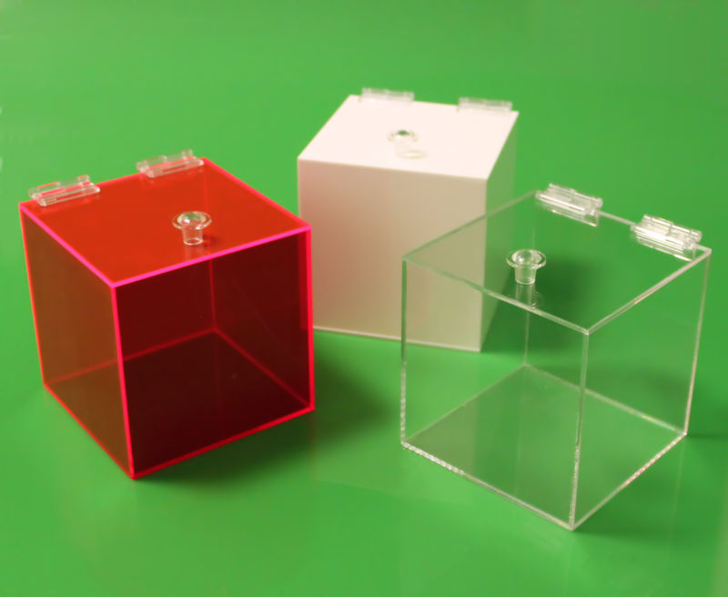 Containers With Hinged Lid